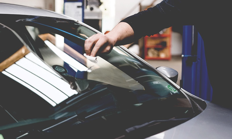 Roest verwijderen autolak