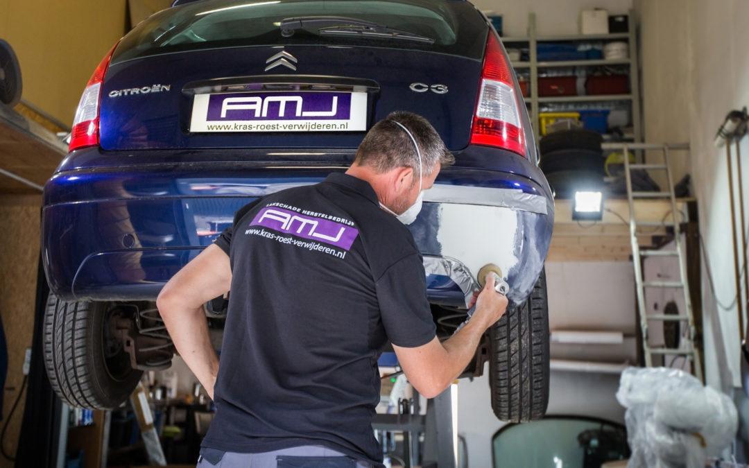 Hoe verwijder ik zelf lakschade in mijn auto?